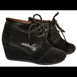 Tom's Wedge Black Booties
